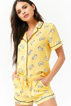 Forever 21 is the authority on fashion & the go-to retailer for the latest trends, styles & the hottest deals. Cute Sleepwear, Loungewear Set, Sleepwear Women, Cute Pajama Sets, Cute Pajamas, Night Suit For Women, Pajama Pattern, Pajama Outfits, Cute Comfy Outfits