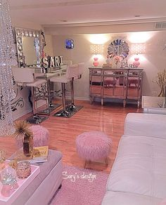 Makeup Room Ideas room DIY (Makeup room decor) Makeup Storage Ideas For Small Space - Tags: makeup room ideas, makeup room decor, makeup room furniture, makeup room design Dream Rooms, Apartment Decor, Makeup Room Decor, Makeup Rooms, Home, Beauty Room, Glam Room, Woman Cave, Room