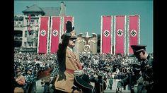 ヒトラーと行動を共にしていた専属カメラマンが見たナチス時代のドイツを記録したのこちらの写真。ヒトラー本人以外にも街の様子や一般の人々も撮影されており、当時どのような雰囲気だったのかを現在に伝えるも...