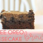 Coffee Oreo Cheesecake Brownies: the most delicious dessert EVER for the coffee lover in your life and super easy to make! Cheesecake Toppings, Coffee Cheesecake, Cheesecake Pudding, Cheesecake Brownies, Mcdonalds Mocha Frappe, Fun Desserts, Delicious Desserts, Crushed Oreos, Instant Pudding Mix