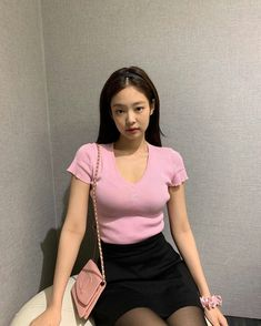 BLACKPINK Jennie posted more photos wearing her airport outfit when she was heading to Bangkok on July Kim Jennie, Blackpink Fashion, Korean Fashion, Kim Jisoo, Blackpink Photos, Mode Vintage, Korean Girl Groups, Kpop Girls, My Girl