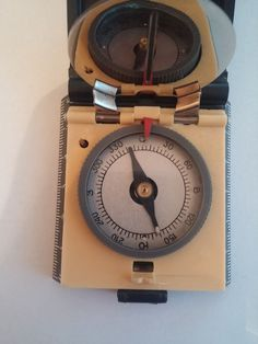 ANTIQUE VINTAGE SOVIET RUSSIAN ORIGINAL COMPASS MOSCOW 80 OLIMPIC #ussr