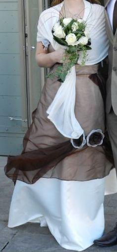 Robe de mariée satin orgenza d'occasion ivoire et chocolat