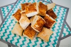 Toffifee-Pralinen - ein sündiges Mitbringsel - Tasty-Sue Finger Foods, Cornbread, Dairy, Cheese, Ethnic Recipes, Chocolate Candies, Millet Bread, Finger Food, Corn Bread