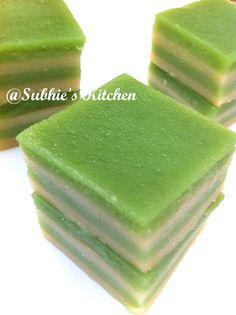 Kuih Lapis Pandan- Pandan flavored Steam Layer recipe (uses AP flour with Rice Flour and Corn Flour)