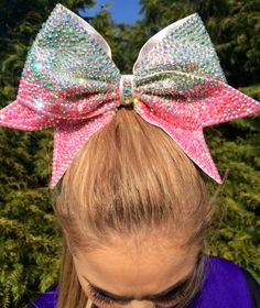 Cheer bow! Bows of London! The sparkliest of them all