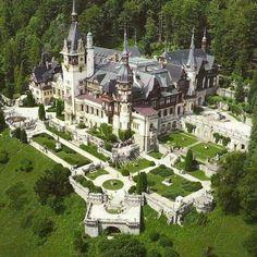 Places: The Peles Castle in the Carpathian Mountains, Romania :: This Is Glamorous Schloss Peles, Rumänien Beautiful Castles, Beautiful Buildings, Beautiful World, Beautiful Places, Places Around The World, Around The Worlds, Peles Castle, Castle Ruins, Chateau Medieval