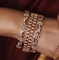 Gold Bangles Design, Gold Jewellery Design, Gold Jewelry, Jewelry Design Earrings, Bead Jewellery, Ruby Bangles, Dimonds, Gold Necklace Simple, Diamond Bangle