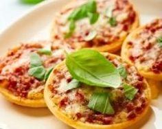Mini pizzas à la tomate (facile, rapide) - Une recette CuisineAZ
