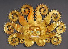 Mochica, Côte nord, peut-être La Mina 100-800 apr. J.-C. Or, chrysocolla, coquillages 28,5 x 41,4 x 4,5 cm Museo de la Nación, Lima  La « Mona Lisa » du Pérou