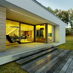 Modny - dom parterowy z poddaszem użytkowym i garażem | doomo