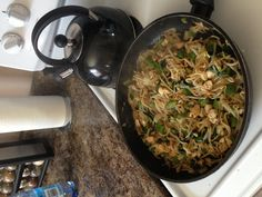 Bean sprouts stir-fry with green pepper, onion, spinach, chicken and teriyaki
