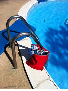 Keep your pool side belongings fresh with Silver Edge Gear bags. No more mildewy towels stinking up the car on the way home from the pool