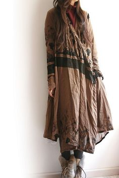 Loose Drawstring V-collar Dress by Kelans Art Couture. Mature Fashion, Daily Fashion, Plus Size Fashion, Fashion News, Beautiful Outfits, Cool Outfits, Kimono, Linens And Lace, Autumn Winter Fashion