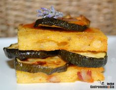 Montadito de polenta al horno con calabacín