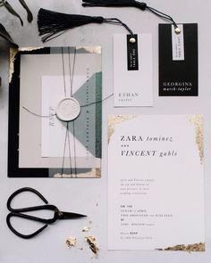 wedding stationary inspiration in white and black with golden accents and a modern twist Classy Wedding Invitations, Wedding Invitation Wording, Wedding Stationary, Floral Invitation, Invitation Suite, Carton Invitation, Festa Party, Wedding Website, Wedding Blog