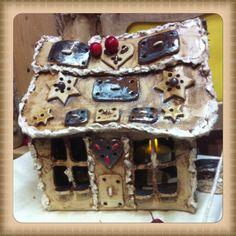 Winter - Keramik Pfefferkuchenhaus Räucherhaus mittelgroß - ein Designerstück von Keramik-Biene bei DaWanda