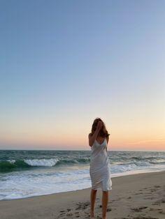 Beach Aesthetic, Summer Aesthetic, Summer Pictures, Beach Pictures, Summer Dream, Summer Girls, Shotting Photo, Insta Photo Ideas, Summer Feeling