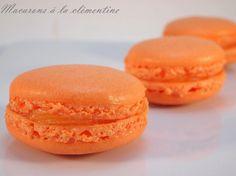 Macarons à la clémentine - - Ganache Macaron, Macaron Caramel, Macaron Pistache, Macarons, Macaron Cookies, Vegan Dessert Recipes, Healthy Desserts, Desserts With Biscuits, Macaroon Recipes