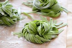 Spinach Noodles, Pasta Noodles, Pasta Recipes, Cooking Recipes, Cooking Tips, Salad Recipes, Keto Recipes, Pasta Casera, Tomato And Cheese