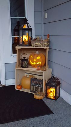 100 Cozy & Rustic Fall Front Porch decorating ideas to feel the yawning autumn midday wind .- 100 Cozy & Rustic Fall Front Porch decorating ideas to feel the yawning autumn midday wind and see the glowing red leaves slowly burning out Fall Home Decor, Autumn Home, Front Porch Fall Decor, Fall Front Porches, Fal Decor, Rustic Fall Decor, Autumn Nature, Porch Ideas For Fall, Autumn Fall
