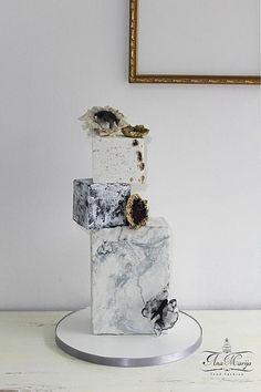 Power of love by Ana Marija cakes - http://cakesdecor.com/cakes/276217-power-of-love