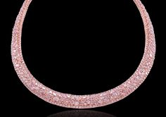NATURAL PINK DIAMOND NECKLACE - how gorgeous! Very bon tone and discrete jet pretious...I need to sit down , Oh ...:)