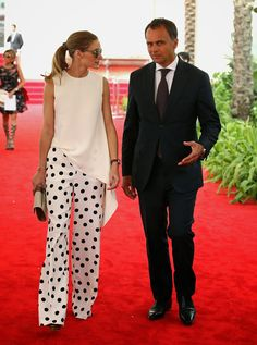 I love the flow of the top and polka dot pants...and the great pony tail!