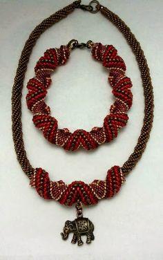 Bead Designs by Yvonne King: Alternating Cellini Spiral Bracelet Beadweaving Pattern