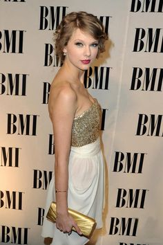 taylor_swift_short_strapless_sheath_gold_sequin_cocktail_dress_party_homecoming_dresses_0_1.jpg (631×947)