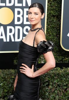 The Golden Globes' red carpet will be somewhat different this year as celebrities and activists alike flood the scene dressed in all black to stand in solidarity with the #MeToo movement. Che…