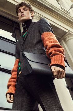 It's not all business this season. Discover the new laid-back yet perfectly tailored silhouettes of the season on Farfetch.