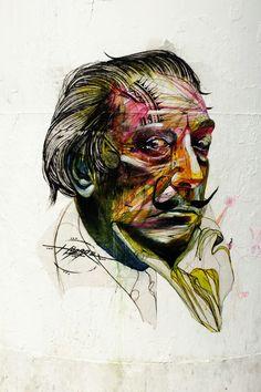 Paris 4 - place beaubourg - street art - Dalí portrait