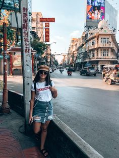 Nothing beats the atmosphere of Thailands Capital 🤩 | Bangkok Thailand | Asian City | Thailand Travel | Explore Thailand | Thailand Travel Guide | Asia Travel Guide | Women who explore | Wanderlust | Thailand Travel Inspiration | Travel Photography Bangkok Thailand, Thailand Travel Guide, Asia Travel, Times Square, Bustle, Beats, Travel Inspiration, Travel Photography, December