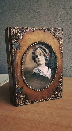 Decoupage Vintage, Decoupage Box, Journal Covers, Art Journal Pages, Altered Boxes, Altered Art, Book Crafts, Diy And Crafts, Handmade Books