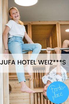 Urlaub im Herzen der Oststeiermark. Das brandneue JUFA Hotel Weiz ist mit seinen klimatisierten Hotelzimmern der ideale Ausgangspunkt für aktive Urlauber und sportliche Familien. #urlaub #österreich #familienurlaub #steiermark Familienfreundliche Hotels, Mom Jeans, Family Vacations