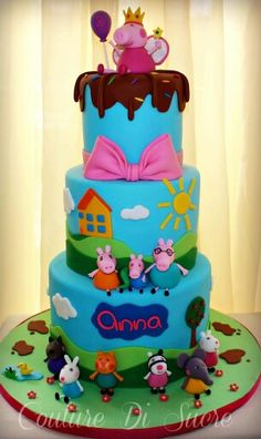 She is kind of a big deal! I am so excited for this cake. She is going to go crazy. Beautiful Cakes, Amazing Cakes, Fiestas Peppa Pig, Peppa Pig Birthday Cake, Baby Shower Fruit, Celebrate Good Times, Pig Party, Party Decoration, Birthday Parties