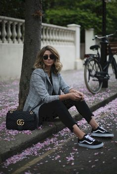 Adorable 62 Best Everyday Casual Outfit Ideas You Need https://bitecloth.com/2017/10/14/62-best-everyday-casual-outfit-ideas-need/