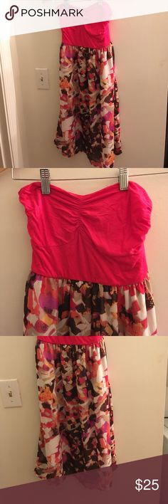 Francesca's strapless colorful dress Strapless dress from Francesca's! Colors are a darker pink, magenta, orange, brown, and off white. Goes down to above the knee. Very comfortable and never been worn- NWT! Francesca's Collections Dresses Strapless
