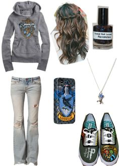 """""""And the Harry potter fandom goes WOW!"""" If only the hoodie was Gryffindor! Harry Potter Style, Harry Potter Outfits, Harry Potter Fandom, Ravenclaw, Harry Potter Accesorios, Hogwarts, Fandom Fashion, Fandom Outfits, Casual Cosplay"""