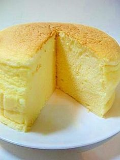 Souffle Cheesecake Using Sliced Cheese:Although no special ingredients were used, it is extremely delicious. You can use slice cheese instead of cream cheese for an economical recipe! Provided by OYSHEE - easy recipes - Sweets Recipes, Wine Recipes, Cooking Recipes, Easy Recipes, Don Perignon, Delicious Desserts, Yummy Food, Steamed Cake, Homemade Sweets