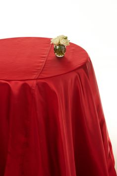 Red shantung satin round table cloths  #red table linen #table linen hire  www.decorit.com.au