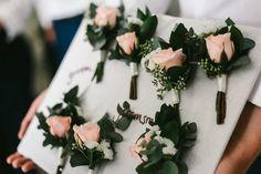 sydneyflorist_wedding_buttonholes.JPG