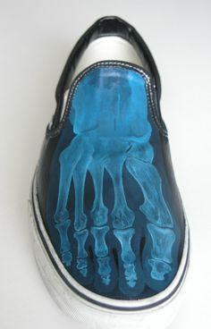 Footshoes -right- by rghayati.deviantart.com on @deviantART