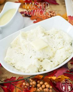 These delicious mashed potatoes are the perfect side dish to any meal, topped with homemade gravy please! Thanksgiving Side Dishes, Thanksgiving Recipes, Holiday Recipes, Thanksgiving Feast, Perfect Mashed Potatoes, Whole Food Recipes, Cooking Recipes, Potato Dishes, Potato Meals