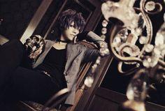 "Anime: diabolik lovers ""more blood "" Character: mukami ruki  Cosplayer: Cure  Nationality: Japanese . . . . . #animecosplay#animecosplayer #bestcosplay#bestcosplayever #diaboliklovers#diabolikloversmoreblood #diabolikloverscosplay #diabolikloversmorebloodcosplay #sakamakibrothers #sakamakibrotherscosplay #vampirecosplay#vampireanime#mukamibrotherscosplay #mukamirukicosplay #mukamiruki #rukimukamicospay#rukimukamicosplay #ruki"
