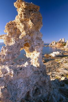 ✮ Tufa Tower on the Shore, Mono Lake, California