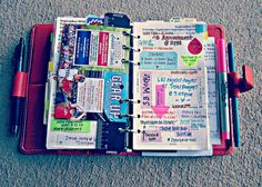 Oohh, lots going on in this planner...love that busy look :-)