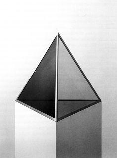 Dan Graham, Pyramid, 1988 Outdoor Sculpture, Sculpture Art, Sculptures, Dark Photography, Still Life Photography, Graham Model, Artists And Models, Branding, Conceptual Art