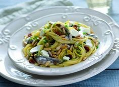 Denny Chef Blog: Spaghetti alle acciughe marinate con mozzarella e pinoli